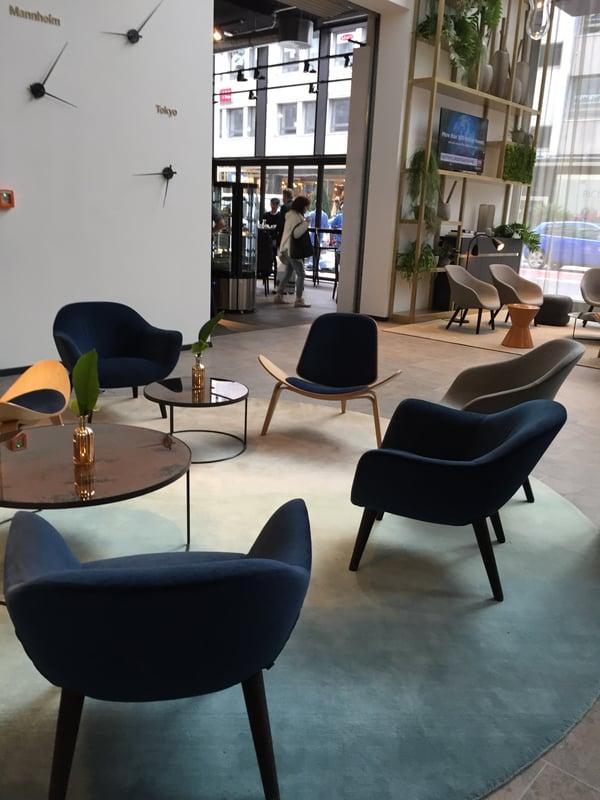 Lobby des Radisson Blu Hotels Mannheim geplant von Blocher Partners