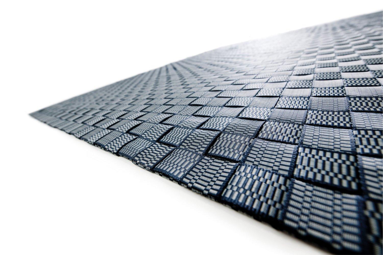 grauer outdoorteppich minimalistisch handgewebt für drinnen und draußen