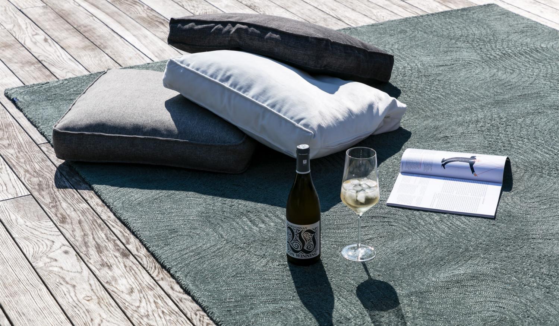 Moderner wasserfester Outdoorteppich Designerteppich für drinnen und draußen New Waves Outdoor