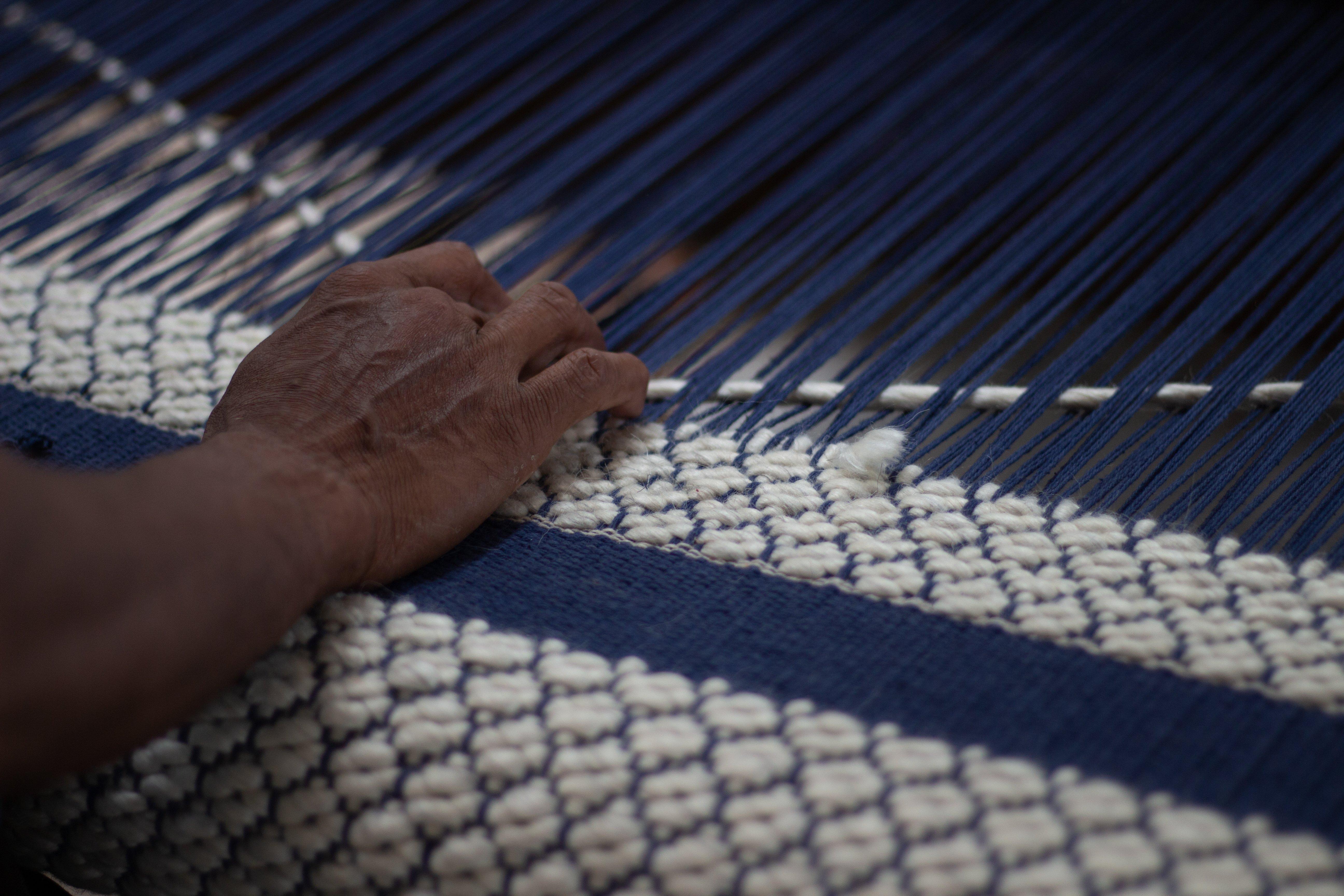 Nordic Flower carpet weaving