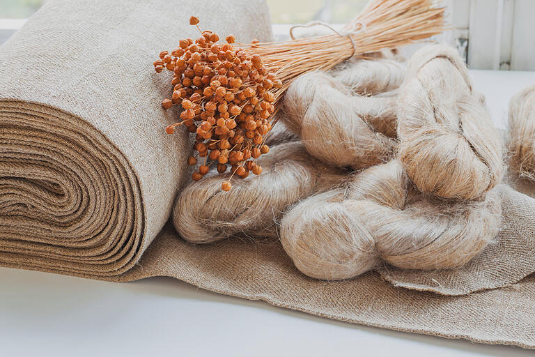 flax-fibers-from-flax-for-the-manufacture-of-linen-fabric-natural-materials-sustainability