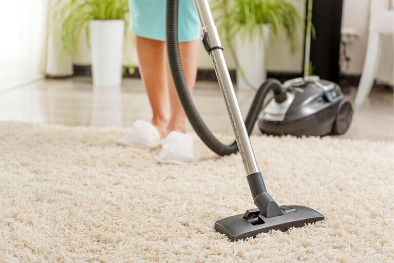 the right way to clean your flokati kilim or other wool rug with a vacuum cleaner