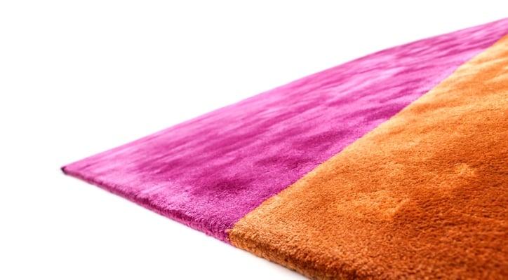 nachhaltiger farbenfroher designerteppich aus tencel lyocell