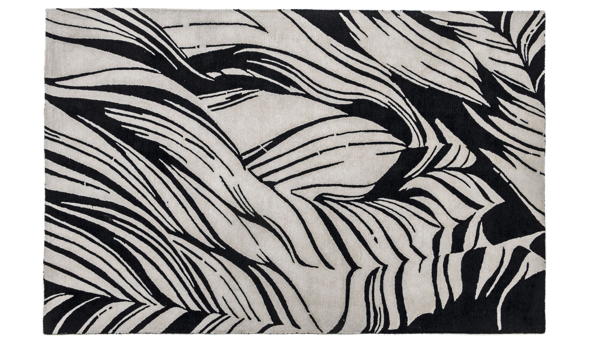 Sustainable polyester rug  black and white design