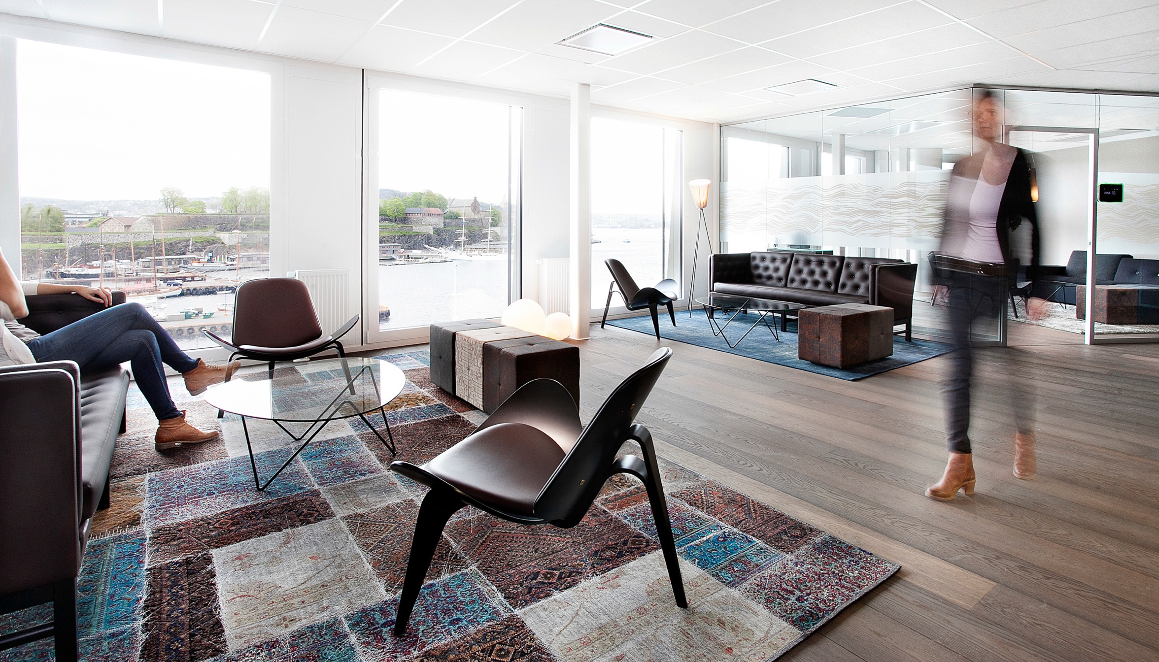 Large custom rug for new office headquarter of DNO in Oslo